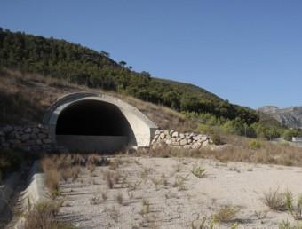 Obres aturades del corredor mediterrani a Tarragona, entre Vandellòs i Miami Platja.  J.C. LEÓN
