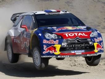 Loeb va guanyar dos dels cinc primer trams de la segona etapa. Els altres tres van ser per a Latvala CITROËN RACING