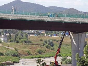 Una imatge del juliol passat de les obres del pont d'enllaç que Foment havia reprès al març JUANMA RAMOS
