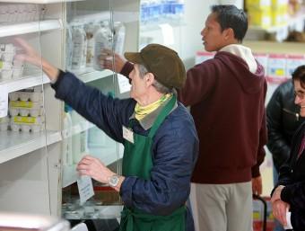 El Banc dels Aliments ha participat en els economats solidaris. A la imatge el de Pedret el dia 15. MANEL LLADÓ