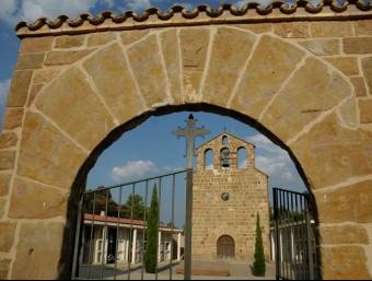 Una perspectiva de l'església de Tiurana, el municipi català que més diners haurà de retornar a l'Estat RITA LAMSDORFF