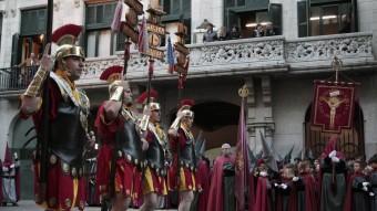 Segons l'autor, els manaies de Girona no són cap congregació antediluviana ni que fan cap nosa. LL.S