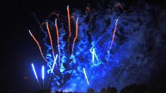 El castell de focs TANCA LES FESTES DE FIGUERES MANEL LLADÓ