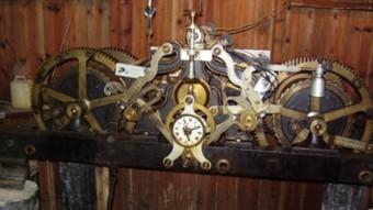 Maquinària del l'actual rellotge de la catedral de Vic.  ARXIU