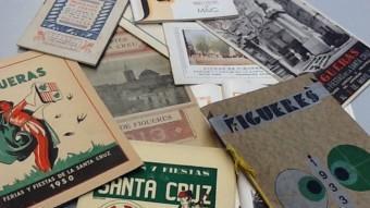 Una imatge d'algunes portades dels programes de Fires digitalitzats. Són des del 1913 fins al 1950. EL PUNT AVUI