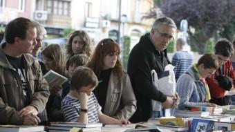 La fira del llibre vell de la plaça Catalunya.  LL.S / M.V