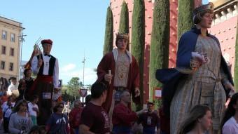 La cercavila de gegants als carrers de Figueres. Joan Sabater