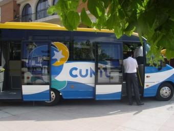 Els ajuntaments afectats podrien haver de prescindir de serveis com ara l'autobús urbà, que Cunit estudia eliminar ARXIU