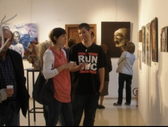 Instantània de la inauguració de la mostra d'art. CEDIDA