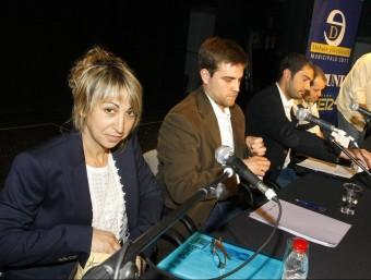 Ruth Rosique (PSC), al costat de Jordi Camps (CiU), al debat electoral de fa un any. L. SERRAT