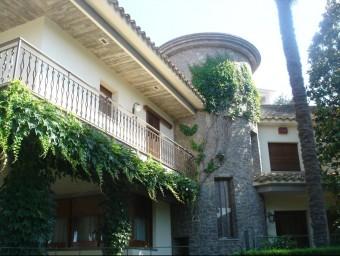 L'habitatge on viu l'empresari Josep Serra i la seva família, situat al carrer Bòbila sense número de Camós TURA SOLER