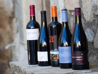 Alguns del centenar de referències de vins de la DO Conca de Barberà , la denominació ha obert enoteca pròpia per vendre els vins dels cellers al monestir de Poblet JOSÉ CARLOS LEÓN