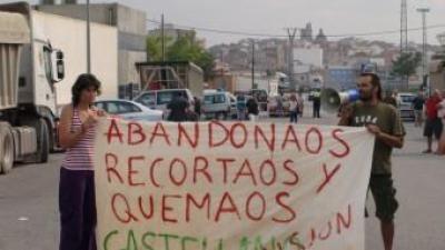 Els ecologistes dels Serrans manifesten la seua protesta davant la Unitat de Comandament Avançat establerta a Villar. ESCORCOLL