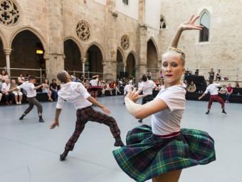 Un instant de 'Kamuyot' d'IT Dansa , al Grec de l'any passat. JOSEP AZNAR