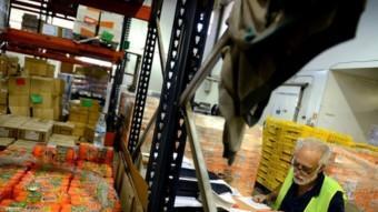 Un magatzem en què es guarden aliments per als més necessitats.  ARXIU