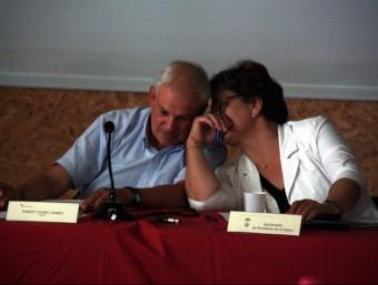 Robert Fauria i Montse Roura, en un moment del Consell d'Alcaldes de la Selva que es va fer ahir a Riudellots. ACN