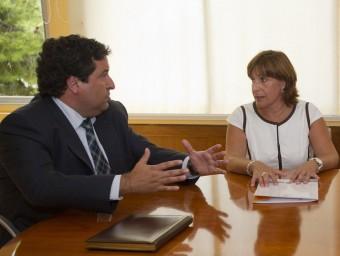 Signatura del conveni entre Diputació i Ajuntament. R.MARTINEZ