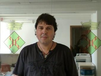L'alcalde, Alfons Soler (CiU), en una imatge a l'Ajuntament de Viladasens. EL PUNT AVUI