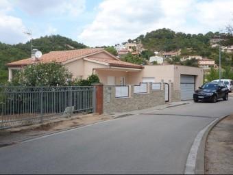 La casa on resideix la família , situada al número 27 del carrer Cardona de la urbanització Els Pinars ÒSCAR PINILLA