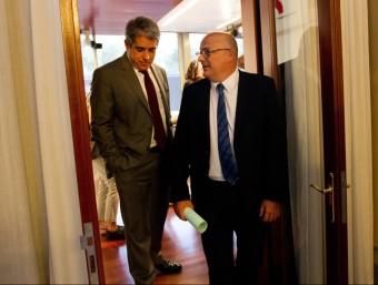 El portaveu del govern, Frances Homs, i el vicepresident primer del Parlament, Lluís Corominas, van presentar ahir els actes institucionals de la Diada ALBERT SALAMÉ