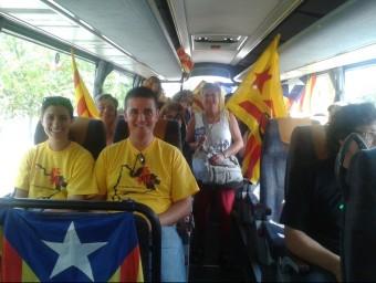 Interior d'un autocar que ha sortit aquest dimarts des del Celrà amb destinació a Barcelona MAR VICENTE