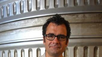 Una imatge de Jordi Pons en el vestíbul del museu LLUÍS SERRAT