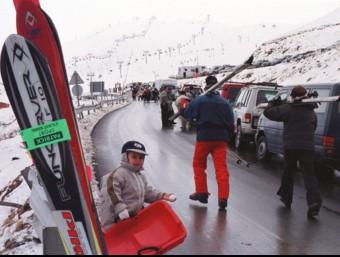 Accessos a l'estació d'esquí de Boí Taüll, a l'Alta Ribagorça. L'estació es troba actualment en situació de concurs de creditors però podrà obrir durant la temporada. ARXIU