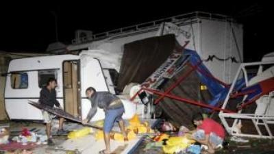 La zona de Fira de Gandia s'ha vist afectada per un tornado i per lapluja. EFE -BATXO FRANCÉS