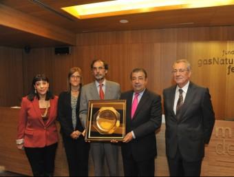 Pere Fàbregas, segon per la dreta, rebent el premi d'Acace per la tasca d'assessorament a l'exportació  ARXIU