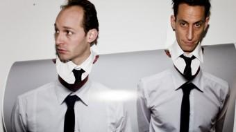 Dimitri de Perrot i Martin Zimmermann intercanviant-se vestuari. AGUSTÍN REBETEZ