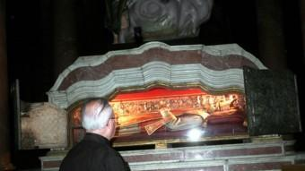 El sepulcre de Sant Narcís a l'església de Sant Feliu de Girona. TURA SOLER