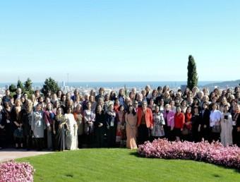 Foto de família de les participants de la sisena conferència anual de l'IWEC (International Women's Entrepreneurial Challenge), a l'Iese.  JORDI TARRES
