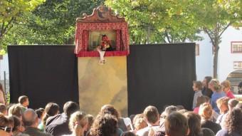 L'espectacle de titelles de la plaça Assumpció del barri de Sant Narcís de Girona.  D.V