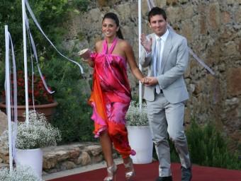 Messi i Antonella, durant la boda d'Iniesta del juliol passat, quan l'embaràs de la parella de l'astre ja era ben visible EFE