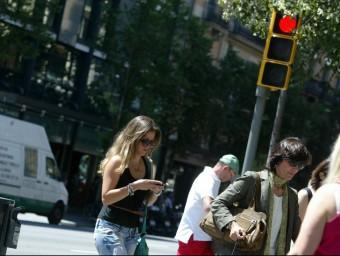 L'ús dels telèfons intel·ligents s'ha dsiparat en un any.  QUIM PUIG
