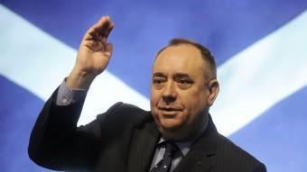 Alex Salmond té majoria absoluta a Escòcia i ha pactat amb Cameron fer el referèndum per la independència.