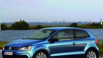 Volkswagen ha dotat el Polo BlueGT d'un gran reclam visual. Para-xocs modificats, estreps i llandes de 17 polzades.