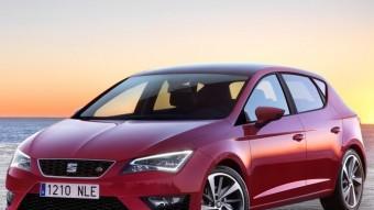 La tercera generació del León estrena el nou logotip de Seat. El cotxe és més curt que l'anterior però guanya distància entre eixos perquè les rodes estan situades més cap als extrems de la carrosseria.