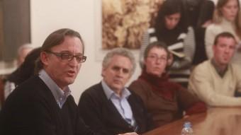Josep Maria Vila d'Abadal va fer ahir a la tarda una roda de premsa a Vic per explicar la seva decisió ALBERT LLIMÓS / EL 9 NOU