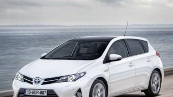 L'aspecte del nou Toyota Auris transmet dinamisme i elegància. La gamma compren un motor de gasolina, dos de gasoil i una versió híbrida.