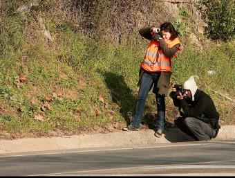 La víctima, Joan Feliu, va patir un fort cop al cap i va caure a la cuneta. MANEL LLADÓ