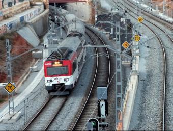 Un tren entrant a Barcelona per la Sagrera ACN