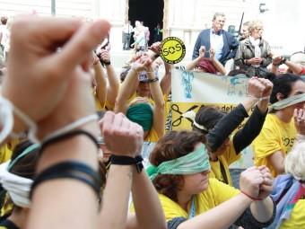 Una manifestació a favor de l'escola bressol EL PUNT AVUI