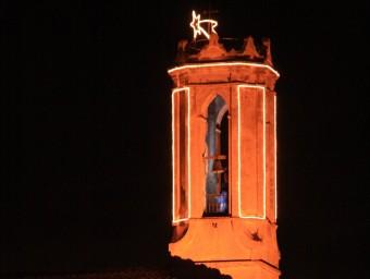 El campanar de l'església de Sant Feliu de Parlavà estarà il·luminat per festes JOAN PUNTÍ