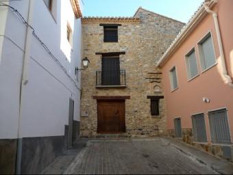 Casa Rural al municipi de les Alcubles, comarca dels Serrans. ESCORCOLL