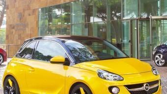Modern i atractiu vist des de fora, l'Opel Adam permet quasi infinites possibilitats de personalització.