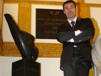 QUIM PUIGEl perfil Jordi Sans (1965, Barcelona) ha estat un dels millors jugadors catalans de la història. Jugava en la posició de boia. Ha disputat cinc Jocs Olímpics. Va ser campió a Atlanta i subcampió a Barcelona. Amb la selecció espanyola, també va ser campió del món el 1998 i subcampió el 1994 a Roma i el 1991 a Perth. Va jugar en diversos clubs de Barcelona: CN Montjuïc, CE Mediterrani, CN Poble Nou, CN Catalunya i Atlètic Barceloneta. ORIOL DURAN