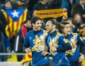 Els jugadors de la selecció celebren l'últim gol que ha marcat Catalunya, ara fa un any contra Nigèria FERRAN CASALS