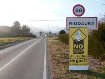 Els veïns de Riudaura continuen mobilitzats contra el fracking, tot i l'anul·lació del permís per buscar gas. J.C