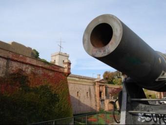 Afores del Castell de Montjuïc de Barcelona, on hi havia el museu militar.  ARXIU